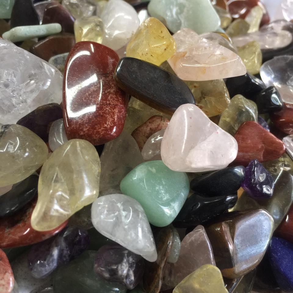 Rải đá Thạch Anh Dưới Nền Nhà